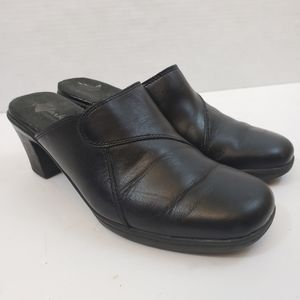 Clarks Bendables Heeled Mules Black Leather Sz 8